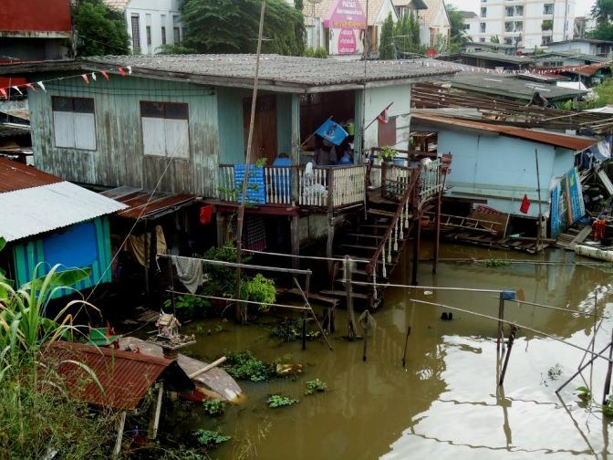 Pieklo-niebo willa-slums